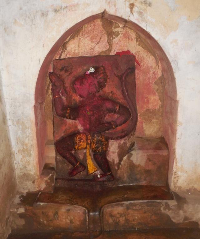 হনুমান মন্দিরের প্রাচীন হনুমান মুর্তি